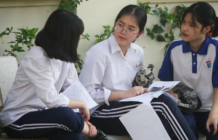 Vinh Phuc cong bo mon thi vao lop 10 nam 2020
