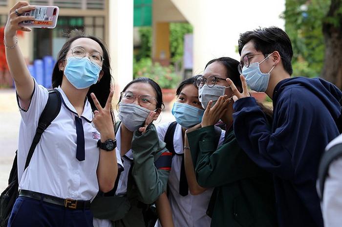 Diem Van thi tot nghiep THPT 2020 du bao pho bien muc 6-7