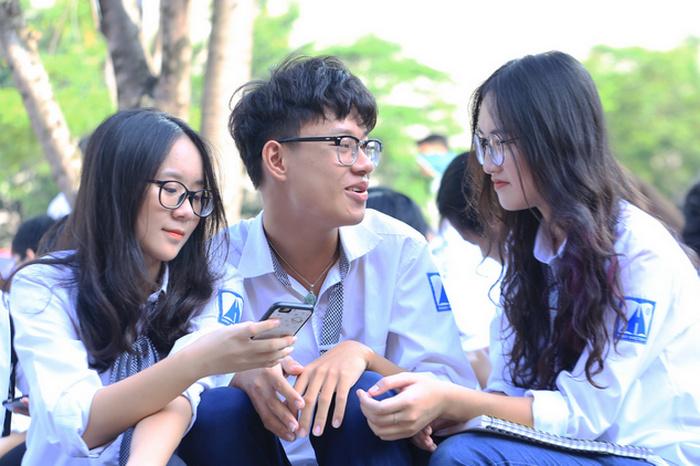Diem chuan du kien DH Khoa hoc Xa hoi - Nhan van TPHCM 2020