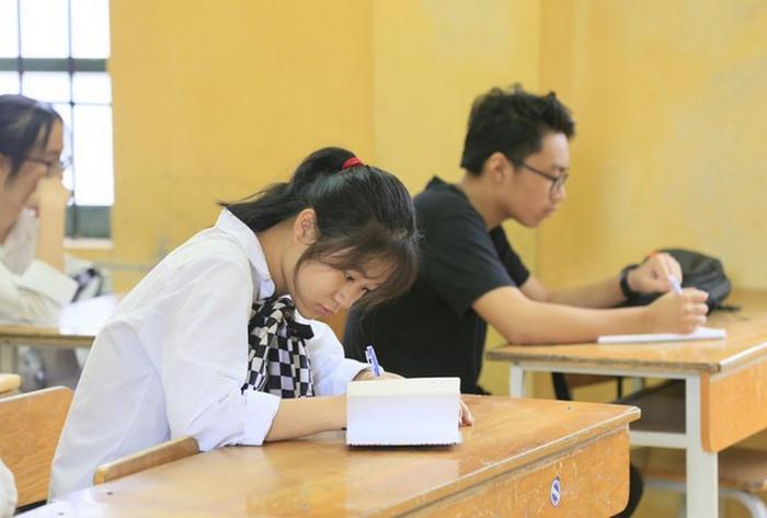 Hoc sinh thi vao lop 10 Ha Noi 2021 co the doi khu vuc tuyen sinh