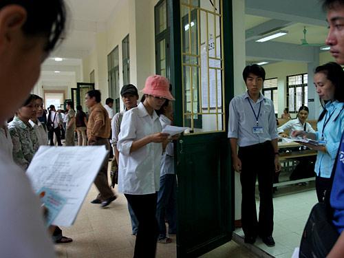 Dap an de thi cao dang khoi C nam 2012