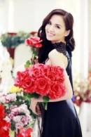 Cùng Hoa hậu Diễm Hương chọn quà Valentine