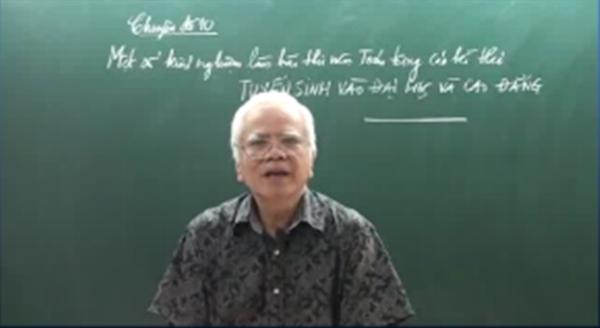 Thầy Khải đang hướng dẫn một số kinh nghiệm làm bài môn Toán.