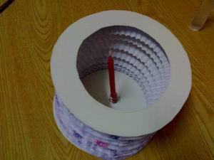 làm lồng đèn giấy đơn giản lắm í ^^