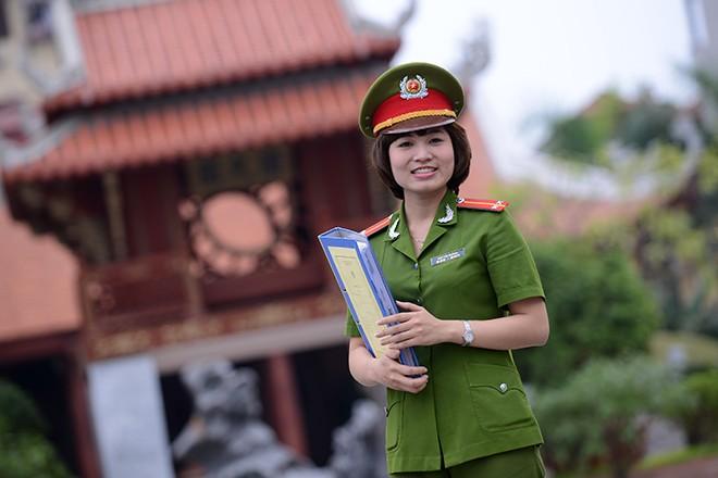 Cô giáo xinh đẹp của hàng ngàn sinh viên trường Cảnh sát 11