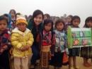 Cô giáo vượt hàng trăm km lên vùng cao tặng quà học sinh ngày 20/11