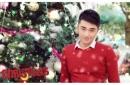 Hot boy Cảnh sát khoe ảnh Giáng sinh rực rỡ sắc đỏ
