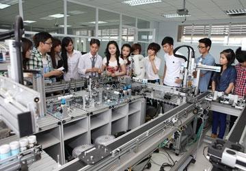 Học ngành kỹ thuật có dễ tìm việc, ra trường sẽ làm ở đâu?