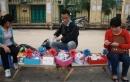 Sinh viên làm thêm kiếm tiền dịp Valentine