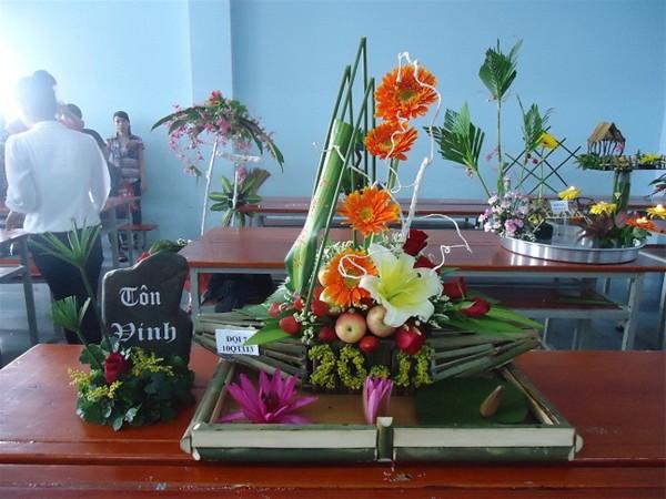 Thuyết trình cắm hoa chào mừng ngày Quốc tế phụ nữ 8/3
