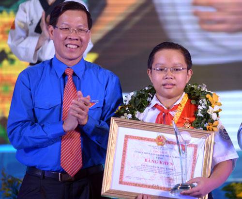 Danh sach 10 guong mat tre Viet Nam tieu bieu nam 2013