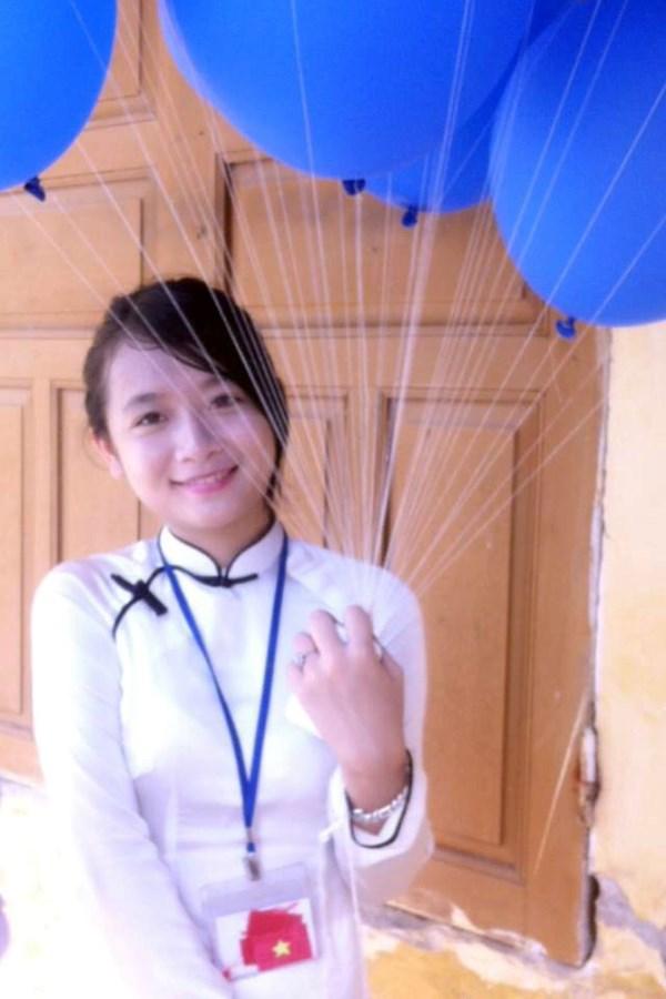 Gap go thu khoa Hoc vien Bao chi va Tuyen truyen xinh nhu hot girl