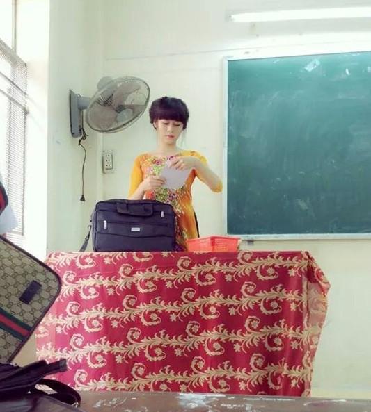 Cô giáo trẻ xinh như hotgirl dạy ở trung tâm giáo dục thường xuyên