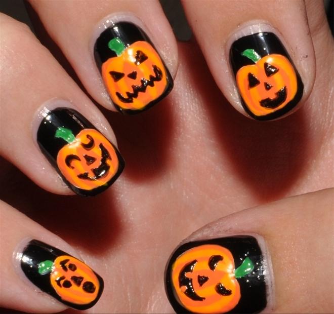 móng tay halloween