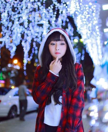 Nhiều người đã ví cô với Hạ Đạt  thiên thần truyện tranh ở Trung Quốc.