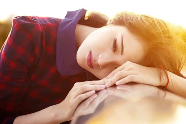 Ngoài việc học ở lớp, Thi Phương còn làm người mẫu tự do và tham gia diễn xuất trong các phim ngắn, đóng vai phụ trong phim truyền hình.
