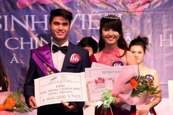 Là một gương mặt trẻ mới toanh và đầy thu hút ở trường ĐH Tôn Đức Thắng, Ngô Thụy Thanh Vy là tân Hoa khôi cuộc thi 'Nét đẹp sinh viên 2013'.