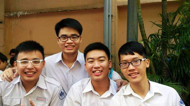 Minh Triết (thứ 2 từ trái qua) - Ảnh: M.T
