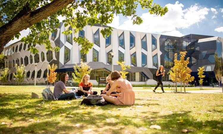 Học bổng thạc sĩ ĐH Quốc gia Úc ngành Kinh doanh & Kinh tế 2018