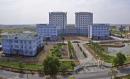 Xe buýt đi qua trường Đại học Công nghiệp dệt may Hà Nội