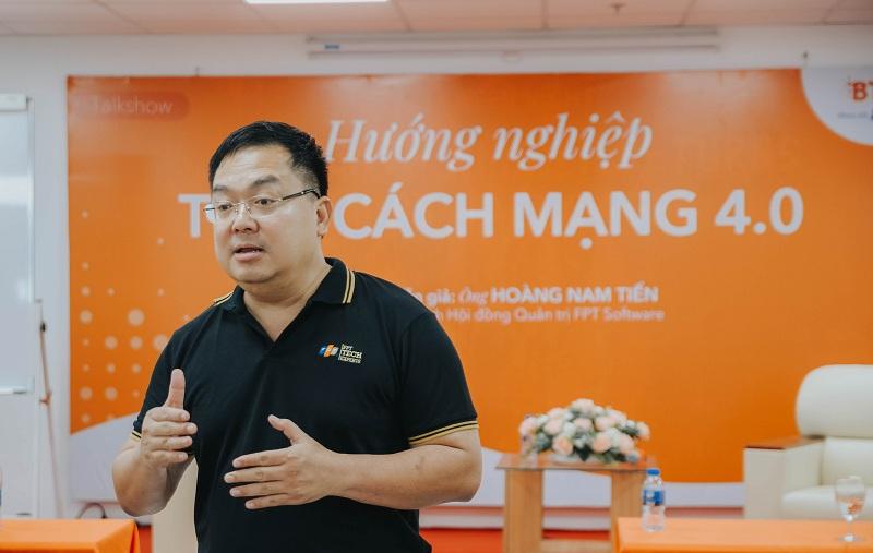 Chu tich FSoft Hoang Nam Tien che bang cap, trong nang luc va thai do