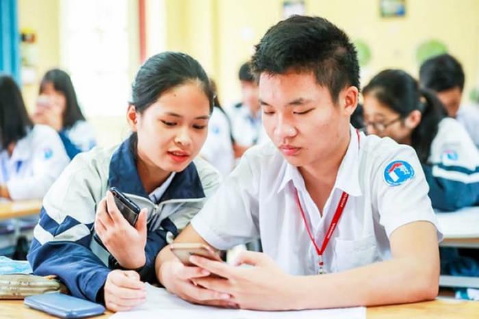 Bộ GD sẽ có hướng dẫn học sinh sử dụng điện thoại trong giờ học