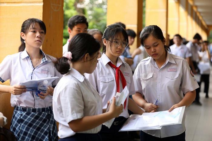 TP.HCM chốt lịch thi vào lớp 10 năm 2021 - Chi tiết