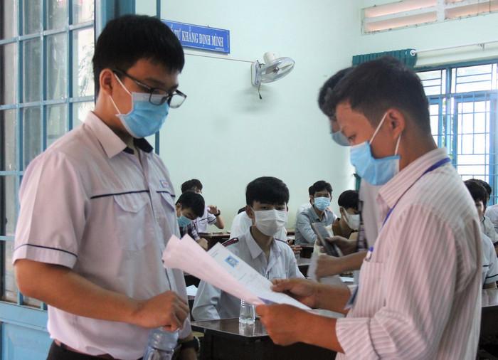 Tra cứu điểm thi tốt nghiệp THPT tỉnh Đồng Tháp năm 2021